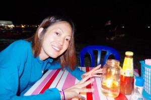 プルフンティアン島のビーチで波音を聞きながら晩ご飯!