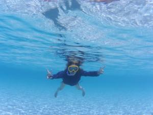 プルフンティアン島の海であゆみテンション上がる♪