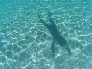 プルフンティアン島の海に影映した!!