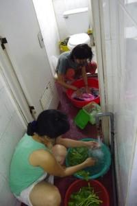 sお母さんとあゆみが洗濯