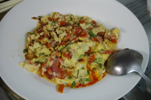 s卵とトマト