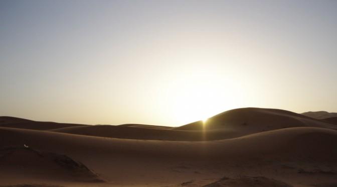 メルズーガのサハラ砂漠最高〜満点の星空と雨のような砂〜【後編】