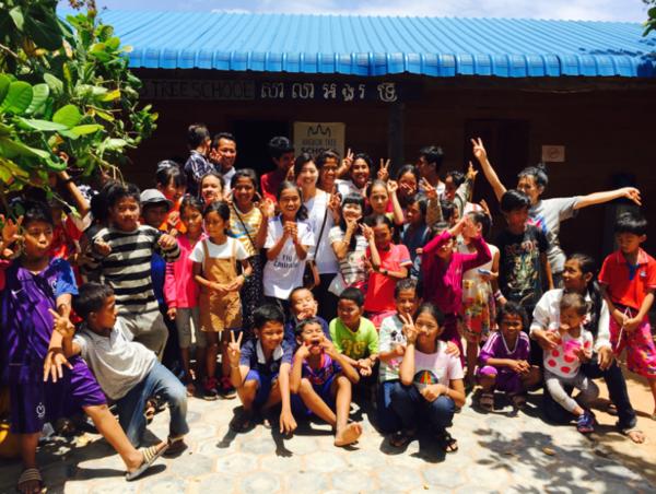 カンボジアの学校でカリキュラム作成