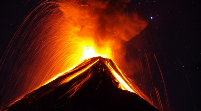 フエ〜ゴ!フエゴフエゴ!!初めて見た火山噴火!!