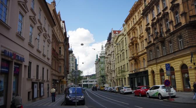 ザキントス島からチェコのプラハへ〜Macの充電器を求めて〜