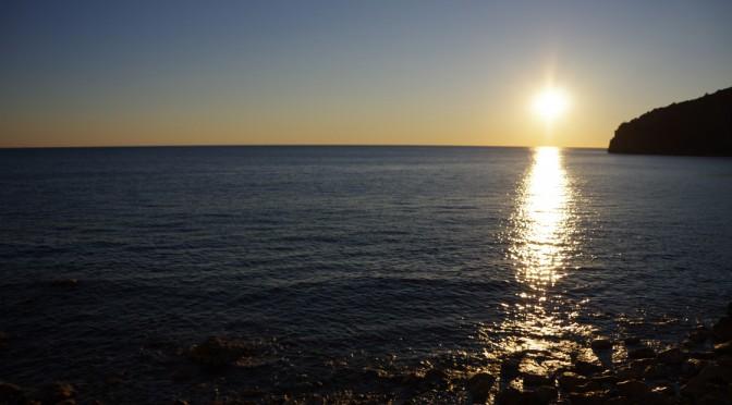 ブドヴァ観光と日々の生活〜寒さにやられ沈没中です〜
