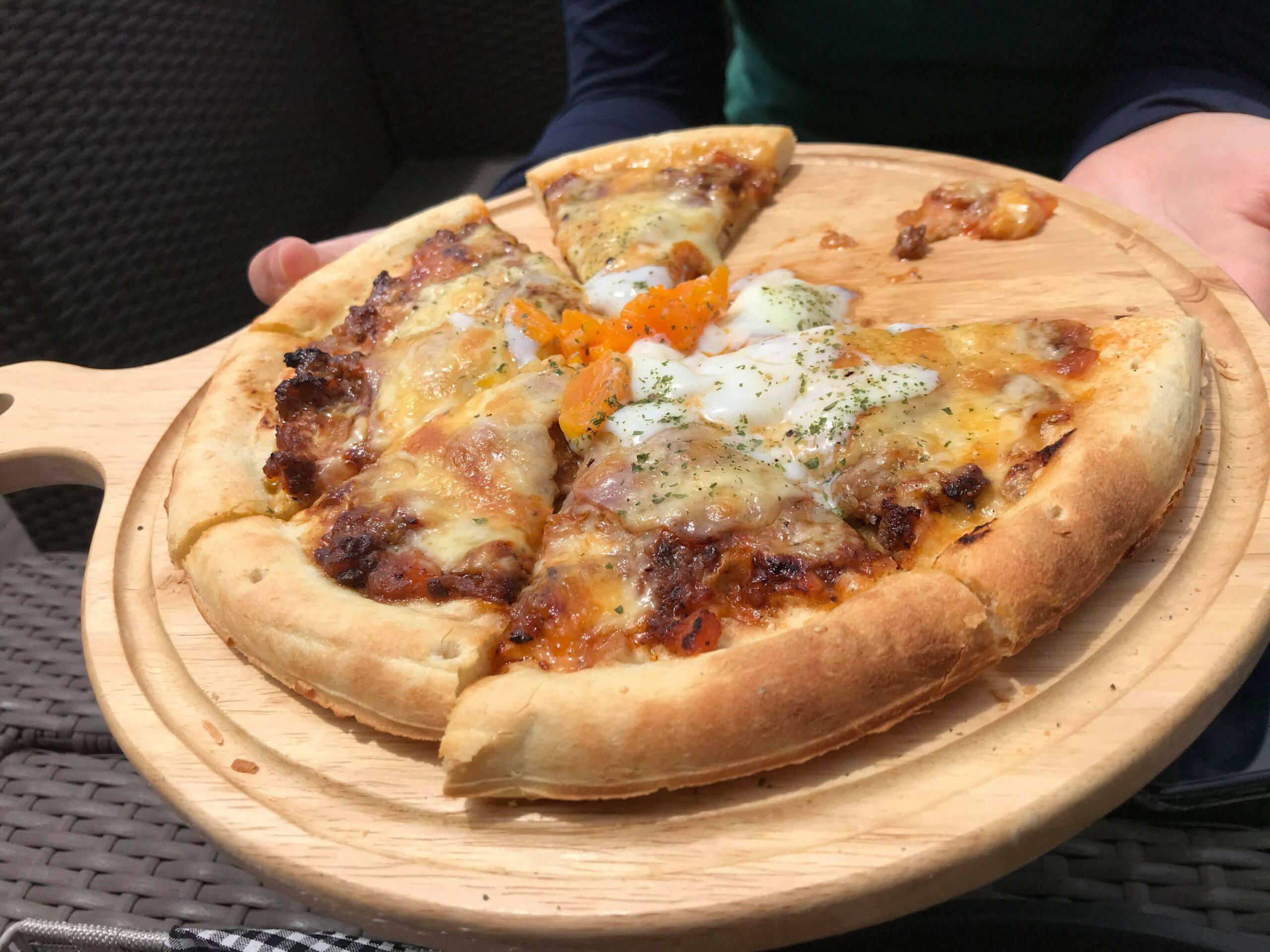 mana manaのピザ