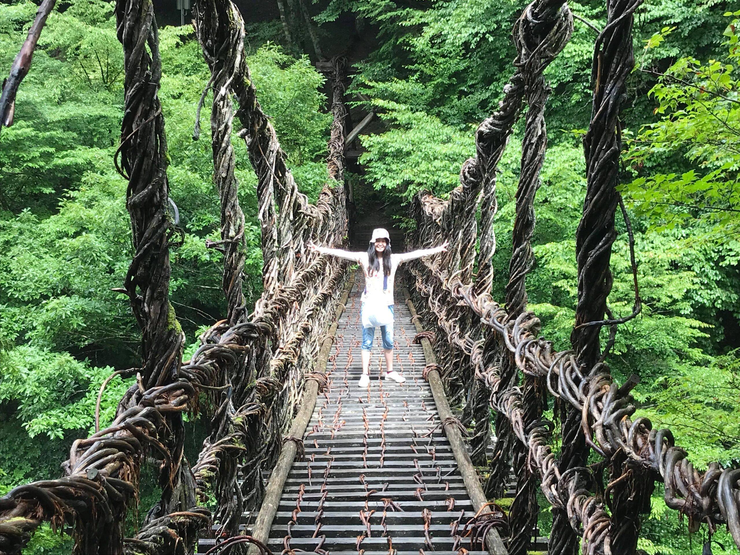 女橋の上で写真